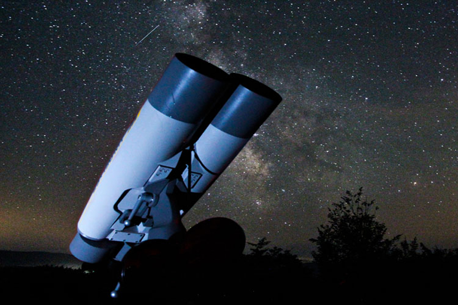 Why Use Binoculars for Astronomy