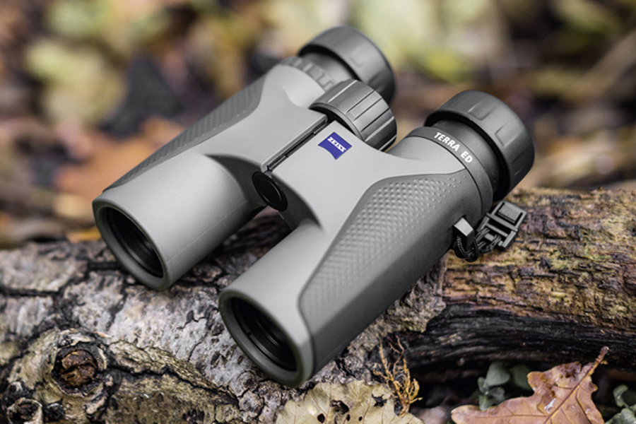 The Top 3 Reasons to Buy Binoculars with Rangefinder
