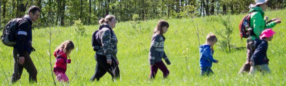 Hiking with Kids: What You Should Bring