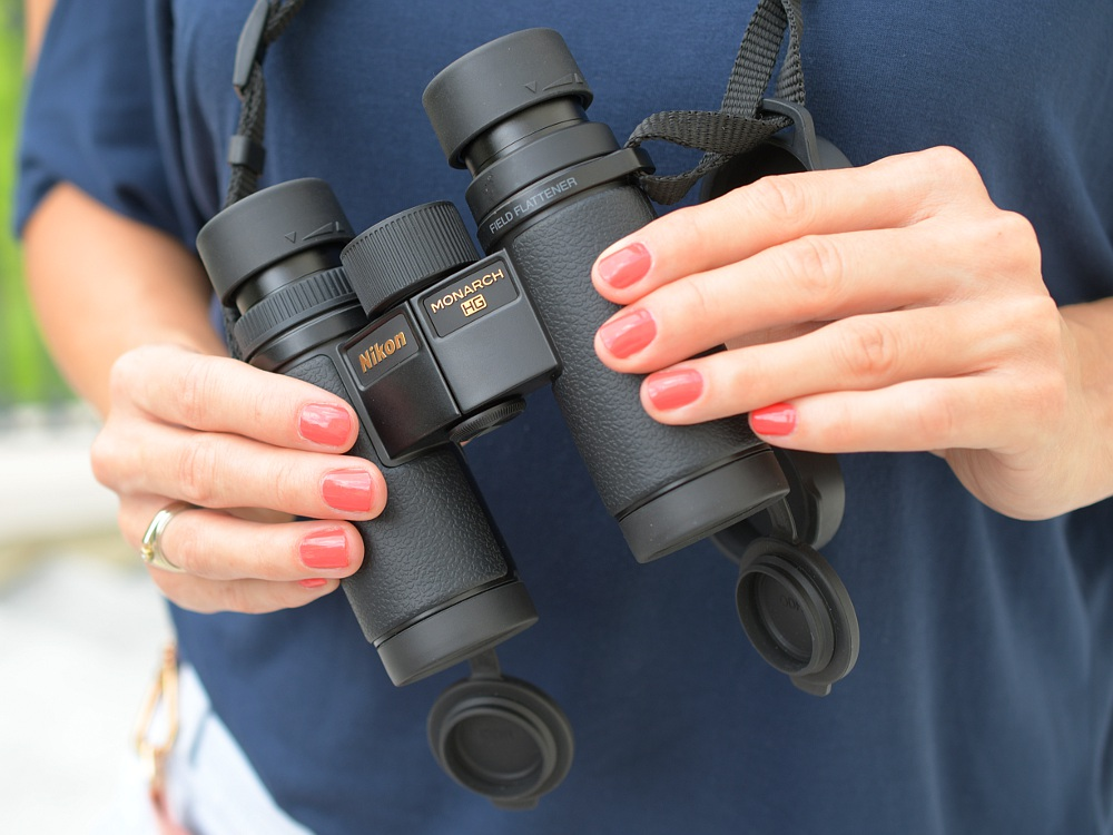 Nikon Monarch HG 10×30 binocular