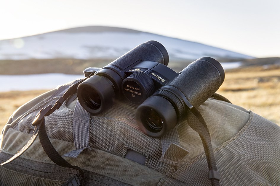 Nikon Monarch HG 10 x 30 binocular
